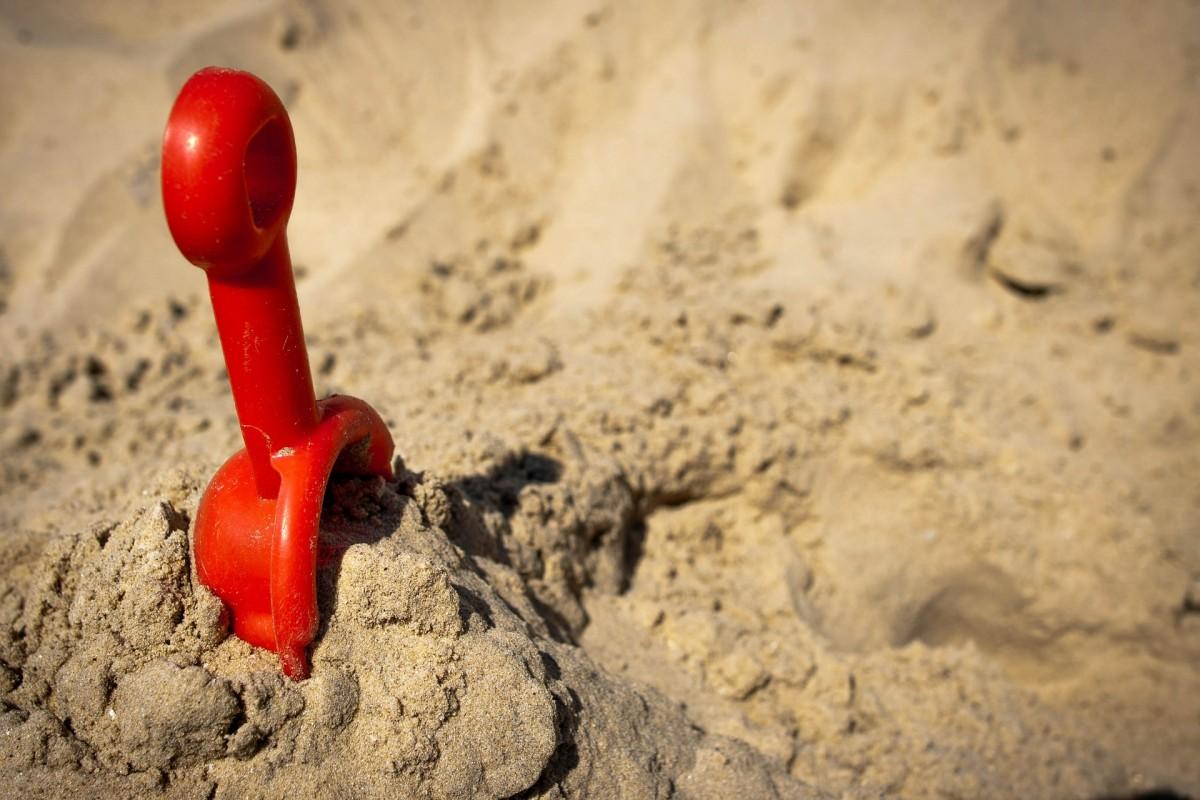 spelen op strand