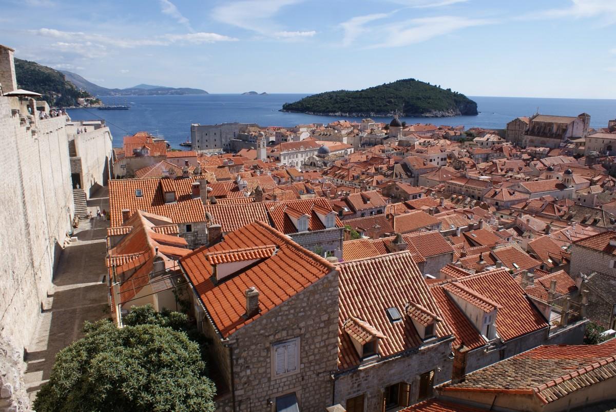 Dubrovnik met uitzicht op eiland Lokrum