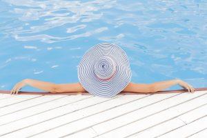zonnen, zwembad zonvakantie in Kroatie - photo ©Unsplash/Pixabay