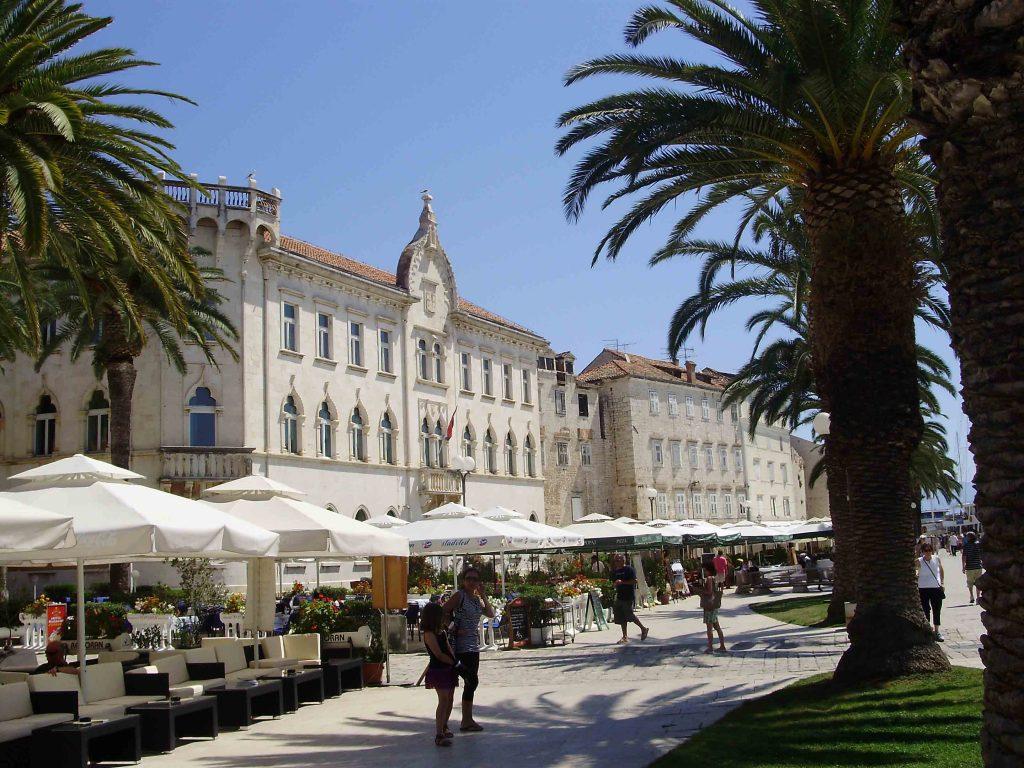 Trogir, promenade