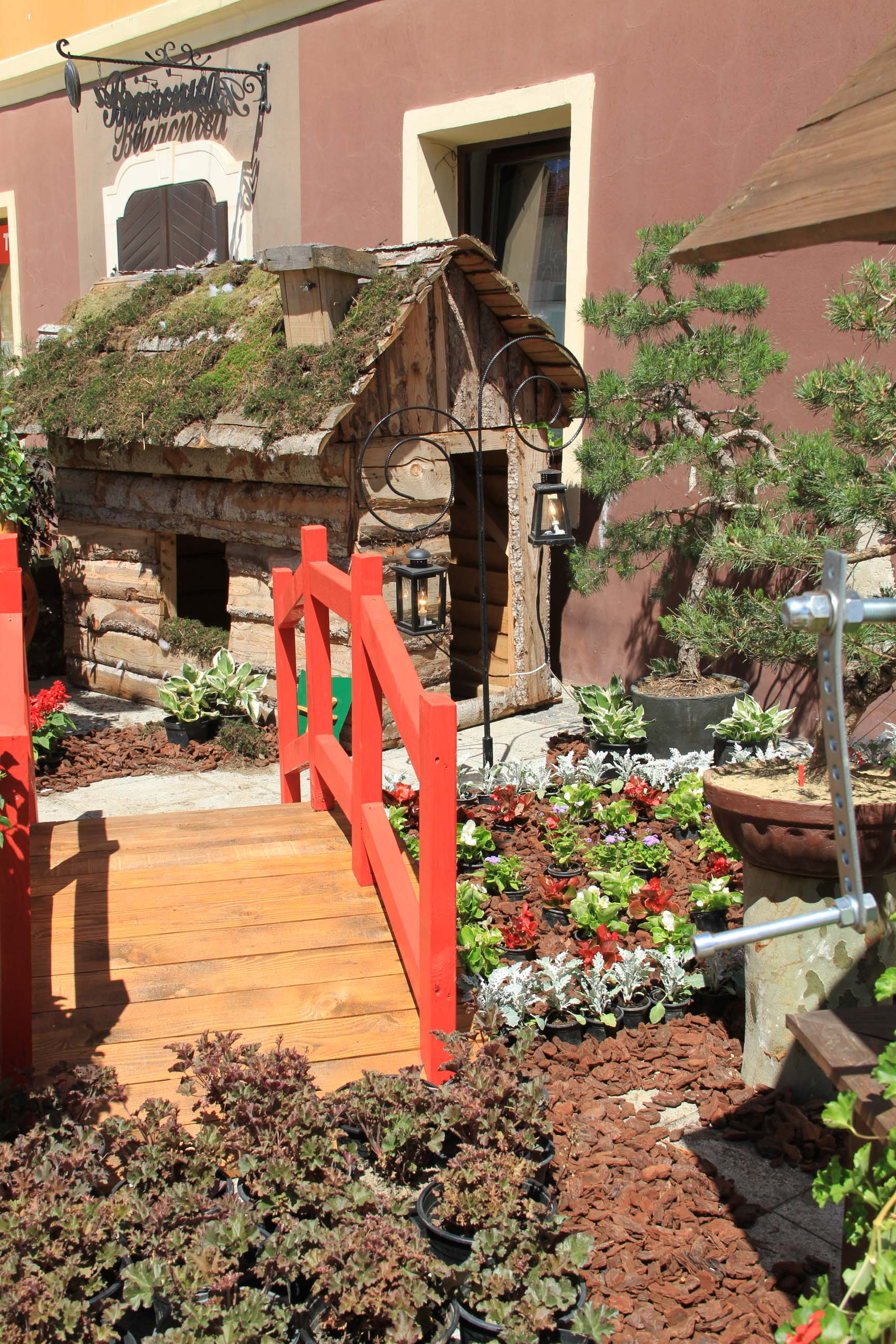 Festival of Flowers, Strawberries and Handicrafts | Croatia4me ...